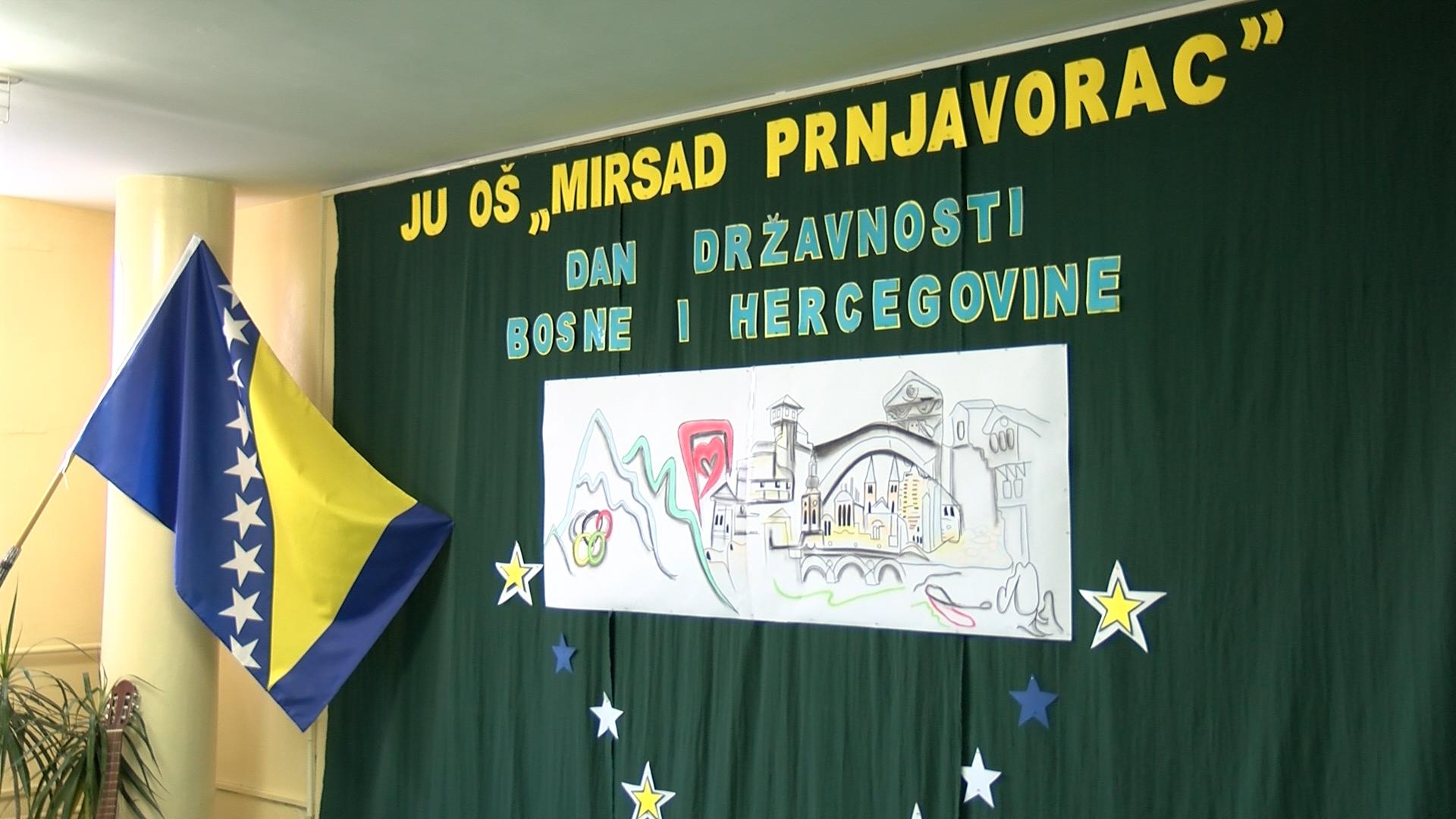 Svecanom Akademijom Ucenici Os Mirsad Prnjavorac Obiljezili Dan